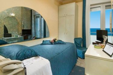 F.E.D.E. Di Ceccarelli Adriano Snc Hotel Des Natio