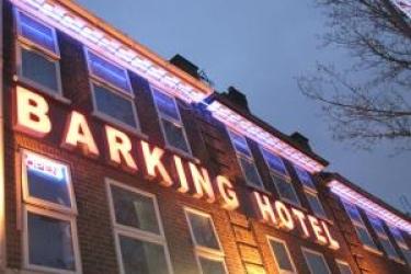 Barking Hotel