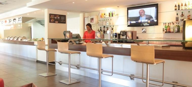 Hotel Ibis Abidjan Marcory: Bar ABIDJAN