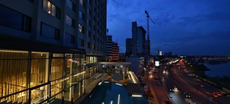 Hotel Pullman Abidjan: Extérieur ABIDJAN