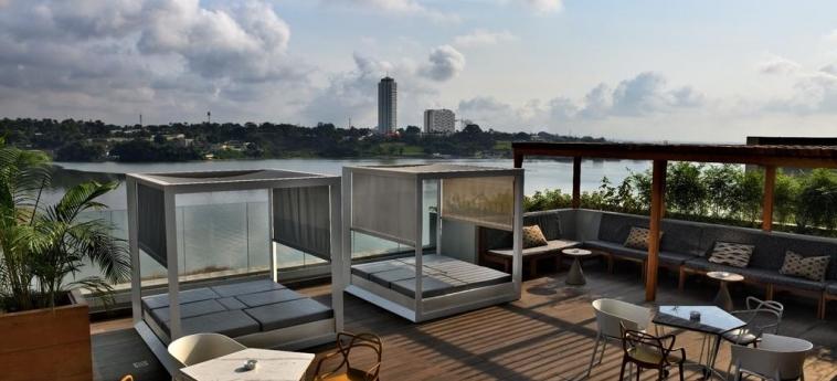 Hotel Pullman Abidjan: Sundeck ABIDJAN