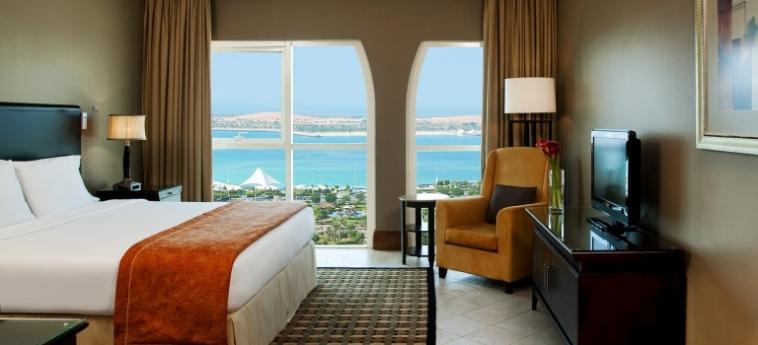 Hotel Sheraton Khalidiya: Camera Vista Mare ABU DHABI