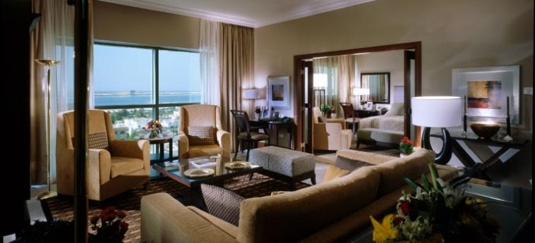 Hotel Sheraton Khalidiya: Chambre Suite ABU DHABI