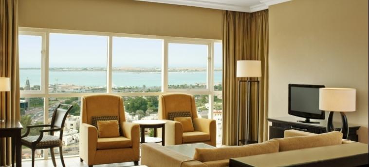 Hotel Sheraton Khalidiya: Zimmer Suite ABU DHABI