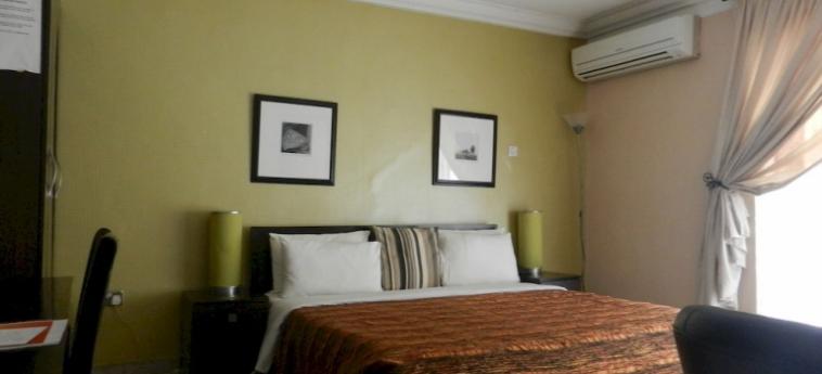 Berkshire Hotel Maitama: Innenschwimmbad ABUJA