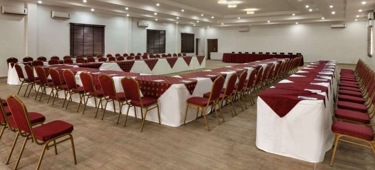 Hotel Hawthorn Suites By Wyndham Abuja: Salle de Réunion ABUJA