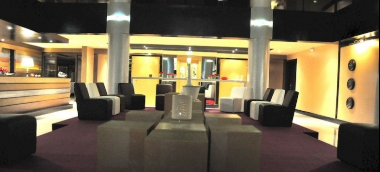 Hotel La Suite Hôtel Boutique: Terrain de Foot AGADIR