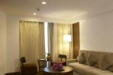 Hotel Four Points By Sheraton Ahmedabad: Schlafzimmer AHMEDABAD