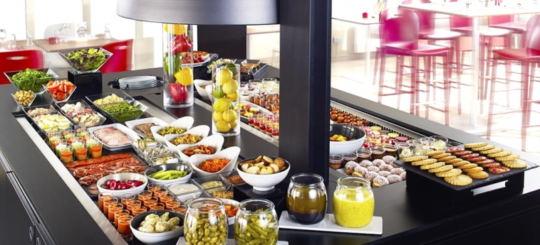 Hotel Campanile Aix En Provence Sud - Pont De L'arc: Buffet AIX EN PROVENCE