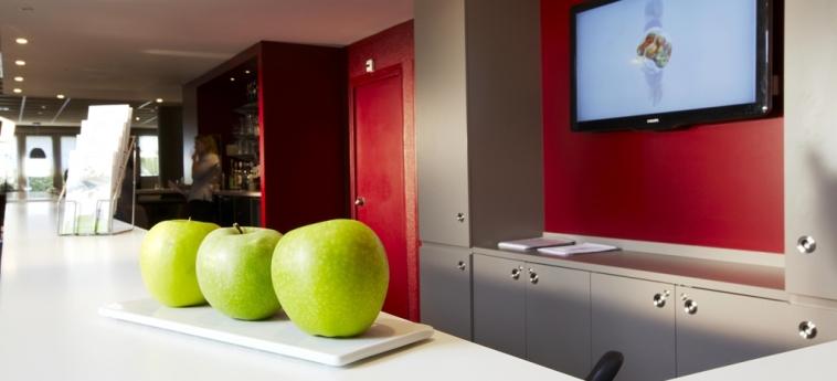 Hotel Campanile Aix En Provence Sud - Pont De L'arc: Reception AIX EN PROVENCE