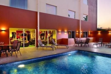Hotel Courtyard By Marriott San Jose Airport Alajuela: Piscina ALAJUELA - ALAJUELA