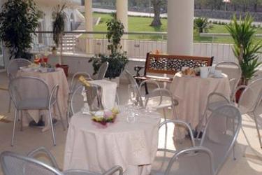 Grand Hotel Olimpo: Außen Restaurant ALBEROBELLO - BARI