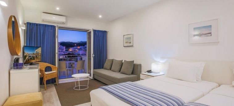 Hotel Baltum: Schlafzimmer ALBUFEIRA - ALGARVE