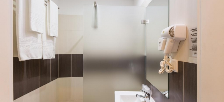 Hotel Baltum: Bathroom ALBUFEIRA - ALGARVE