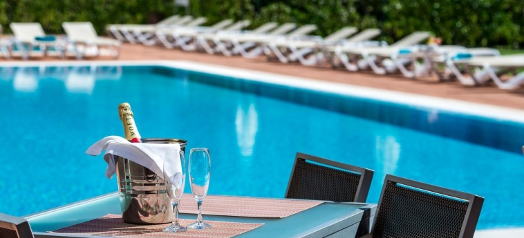 Areias Village Hotel Apartamento: Am Pool Cafè ALBUFEIRA - ALGARVE