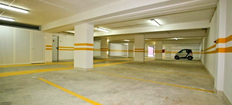 Areias Village Hotel Apartamento: Parkplatz ALBUFEIRA - ALGARVE
