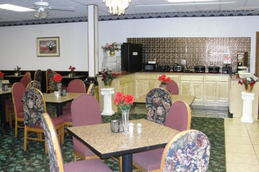 Hotel Royal Inn Knoxville Airport Alcoa: Breakfast Room ALCOA (TN)
