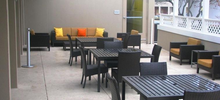 Hotel Courtyard By Marriott Alexandria Pentagon South: Terrazza/patio ALEXANDRIA (VA)