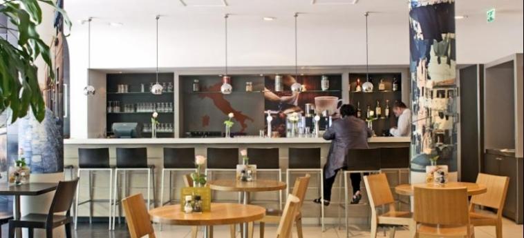 Hotel Ibis Amsterdam Centre Stopera: Bar AMSTERDAM