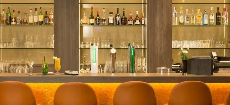Hotel Ramada Amsterdam Airport Schiphol: Lounge Bar AMSTERDAM
