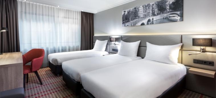 Hotel Ramada Amsterdam Airport Schiphol: Dreibettzimmer AMSTERDAM