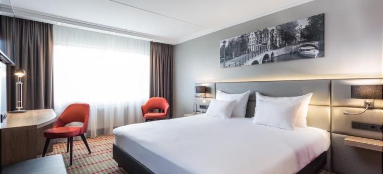 Hotel Ramada Amsterdam Airport Schiphol: Schlafzimmer AMSTERDAM