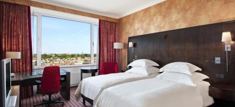 Hotel Hilton Amsterdam: Chambre jumeau AMSTERDAM