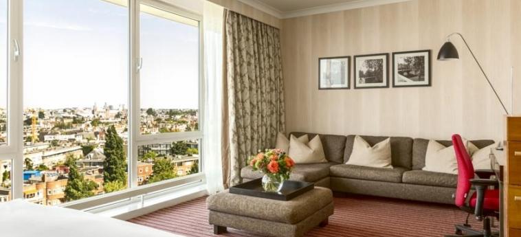 Hotel Hilton Amsterdam: Wohnzimmer AMSTERDAM