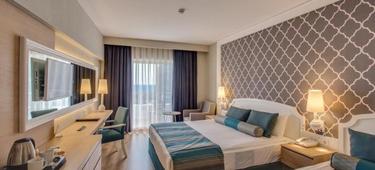 Hotel Sherwood Exclusive Lara: Bedroom ANTALYA