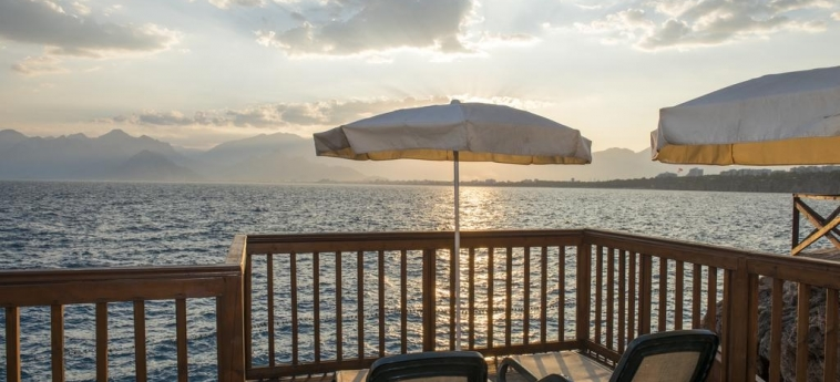 Hotel Ramada Plaza By Wyndham Antalya: Vista ANTALYA