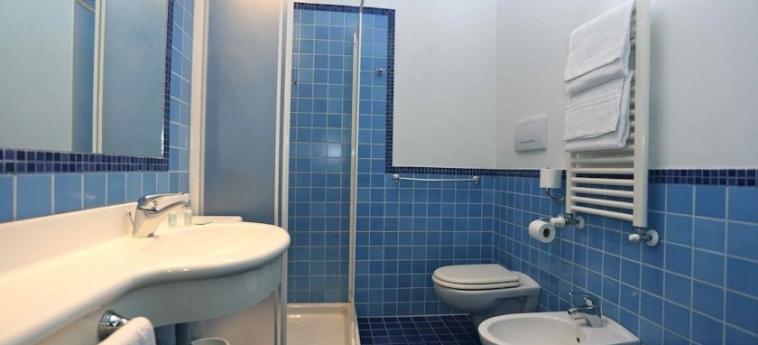 Express Hotel Aosta: Bathroom AOSTA