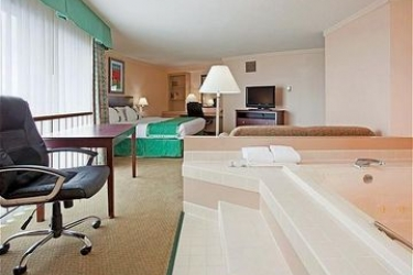 Hotel Holiday Inn Select Appleton Appleton Wi Book With