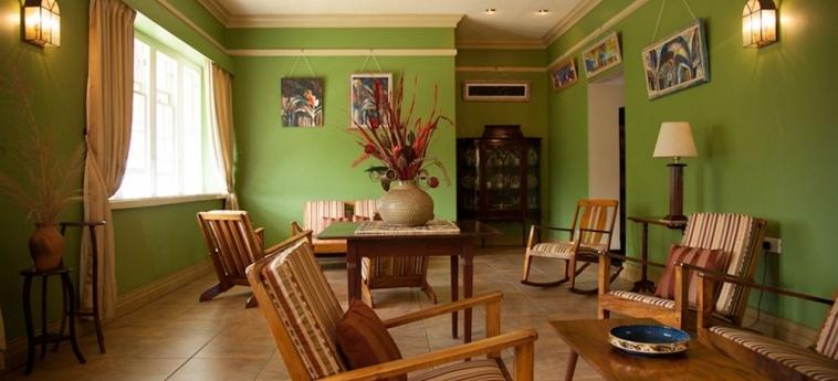 Hotel Grand View Beach: Parqueadero ARNOS VALE