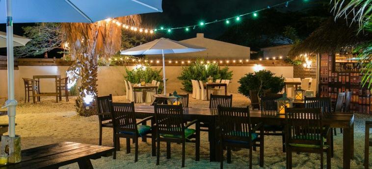 Hotel Perle D'or: Comedor al aire libre ARUBA