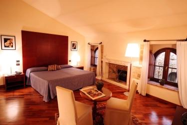 Hotel Relais La Corte Di Bettona: Habitaciòn Suite ASIS - PERUGIA
