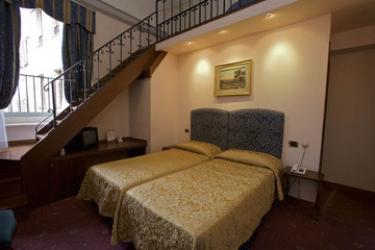 Hotel Dei Priori: Chambre Suite ASSISE - PERUGIA