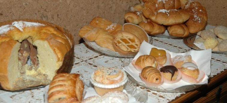 Hotel Vignola: Buffet ASSISE - PERUGIA