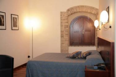 Hotel Relais La Corte Di Bettona: Doppelzimmer  ASSISI - PERUGIA