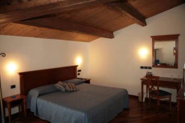Hotel Relais La Corte Di Bettona: Schlafzimmer ASSISI - PERUGIA