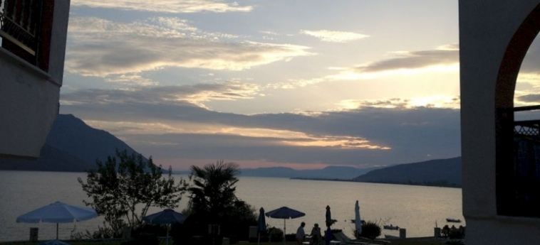 Hotel Thesmos Village: Premium Lake View Room ASTACO - XIROMERO