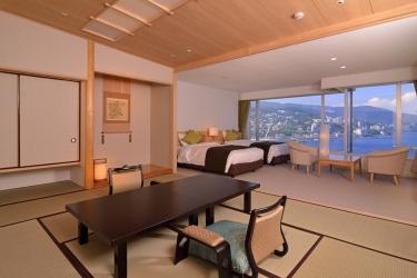 Hotel Atami Korakuen : Gastzimmer Blick ATAMI - SHIZUOKA PREFECTURE