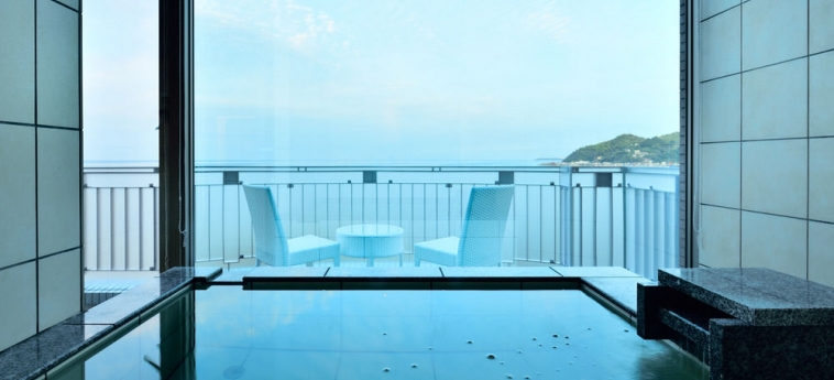 Hotel Fontaine Bleau Atami: Lababo del baño ATAMI - SHIZUOKA PREFECTURE