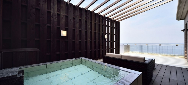 Hotel Fontaine Bleau Atami: Restaurante ATAMI - SHIZUOKA PREFECTURE