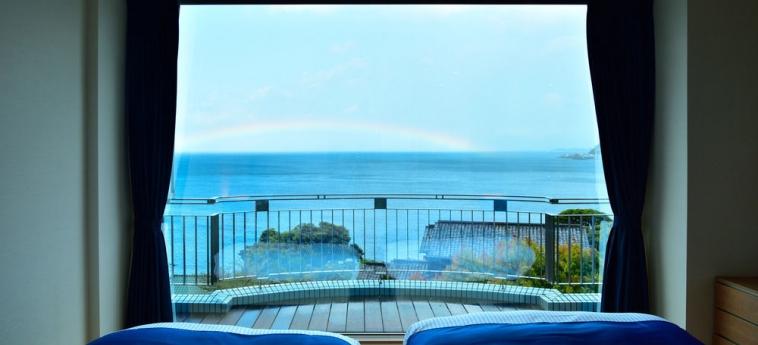 Hotel Fontaine Bleau Atami: Vista de la habitación ATAMI - SHIZUOKA PREFECTURE