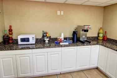 Red Roof Inn Atlanta Six Flags 793 Hotel: Breakfast Room ATLANTA (GA)