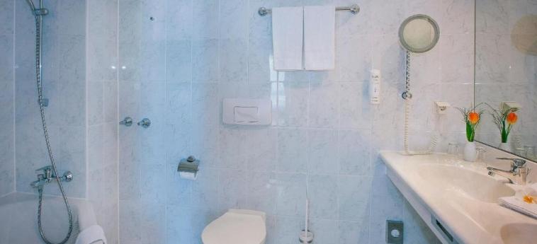 Vienna House Easy Bad Oeynhausen: Bathroom BAD OEYNHAUSEN