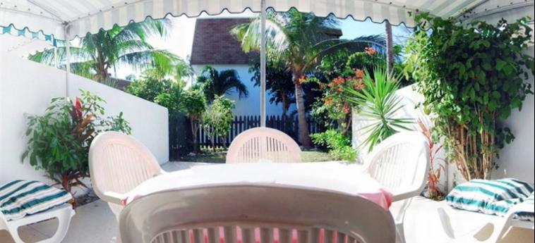 Hotel Bay View Suites Paradise Island: Patio BAHAMAS