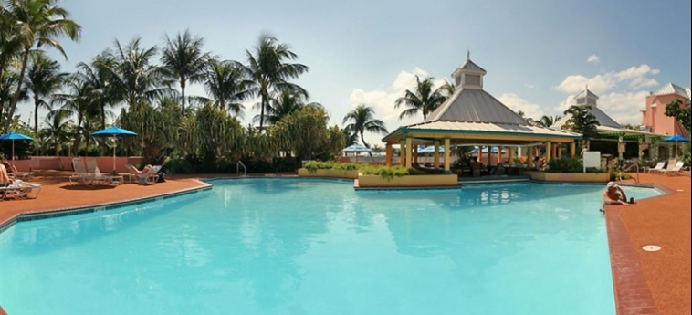 Hotel Comfort Suites Paradise Island: Piscina BAHAMAS