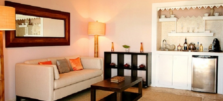 Hotel Pink Sands Resort: Living Room BAHAMAS