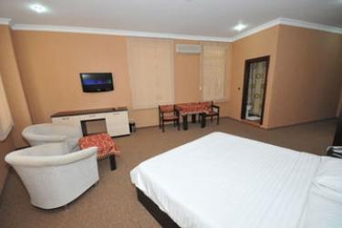 Hotel Kichik Gala: Garage BAKU